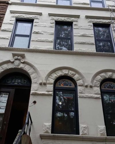 Brooklyn building Crystal window replacement